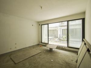 悦城花园一期 5室2厅 174.4㎡ 毛坯_悦城花园一期二手房客厅图片2