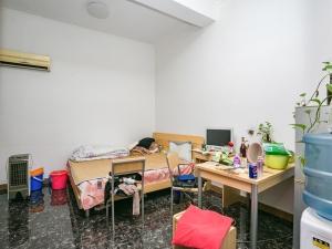 可园六期 6室2厅 149㎡ 精装_可园六期二手房卧室图片12