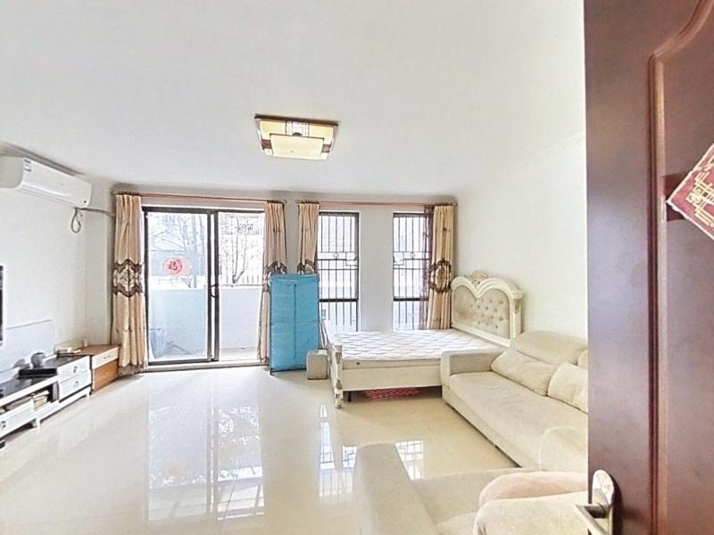 悦城花园一期 4室2厅 140㎡ 整租_悦城花园一期租房客厅图片1