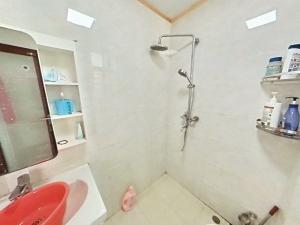 悦城花园一期 4室2厅 140㎡ 整租_悦城花园一期租房卫生间图片13